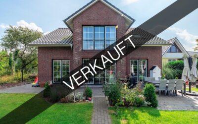 Hamburg – Meiendorf | Neuwertiges Einfamilienhaus in privilegierter Wohnlage mit sonnigen Garten