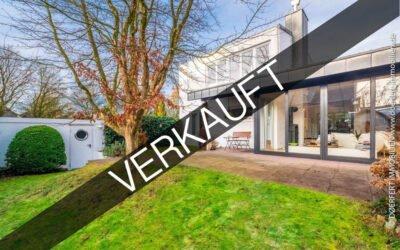 Hamburg – Poppenbüttel | Design Reihenendhaus mit hochwertiger Ausstattung, Garten und Garage