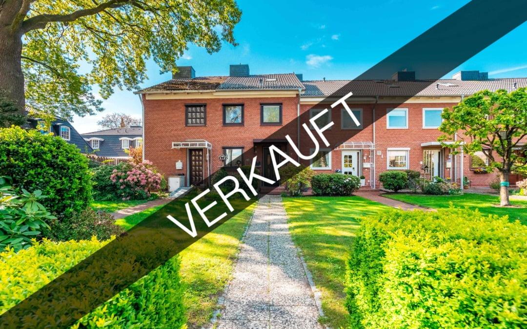 Norderstedt – Harksheide | Reihenmittelhaus mit Garten und Keller in guter Lage, Nähe Stadtpark